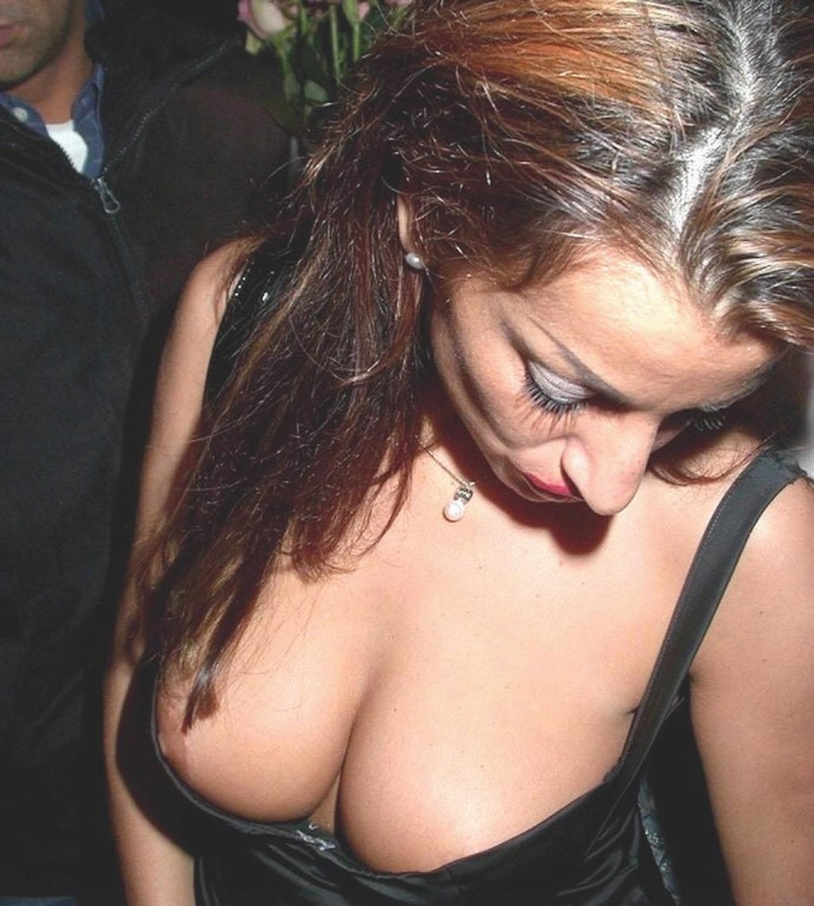 Nipple Slip Pics